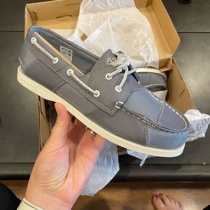 NWT Boys Sperry Boat Shoes